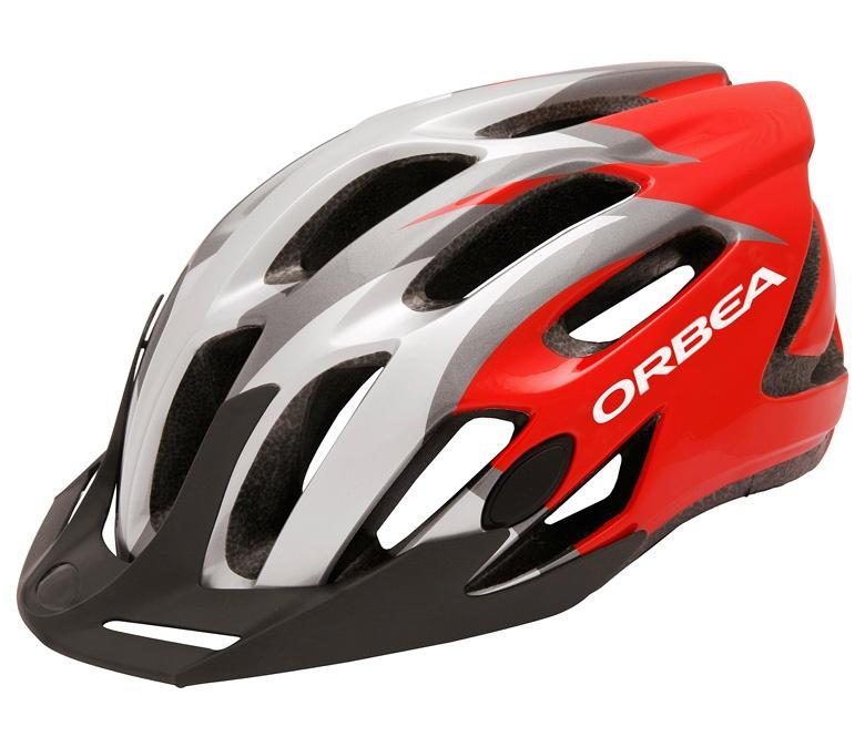 El casco, un elemento clave en la seguridad vial para ciclistas